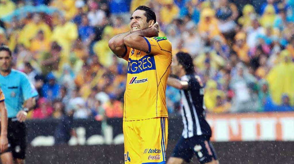 Israel Jiménez seems far from pleased after scoring the own goal that sealed Tigres' defeat against arch-enemy Monterrey.